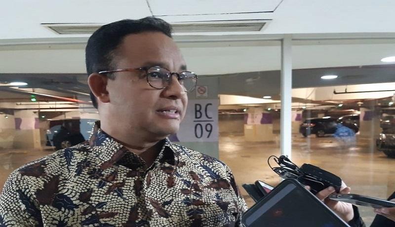 Gubernur DKI Jakarta Anies Baswedan usai melayat Almarhum Ciputra, di Jakarta, Kamis (29/11). Foto: Antara