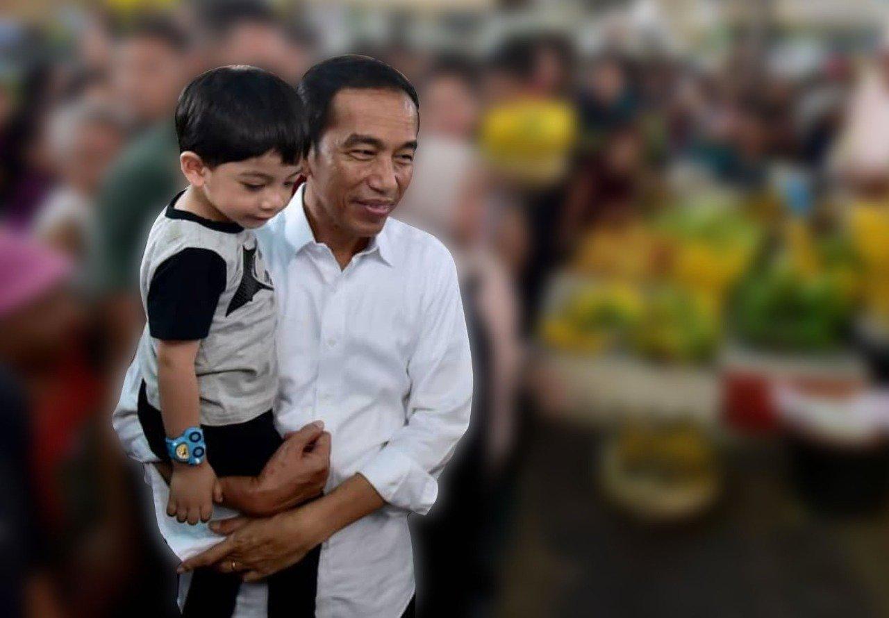 Presiden Joko Widodo alias Jokowi momong cucunya, Jan Ethes Srinarendra. Foto: Instagram/Jokowi