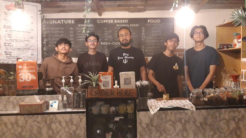 5 Pemuda bisnis bareng, omzet di bulan pertama langsung balik modal (foto: GenPI.co)