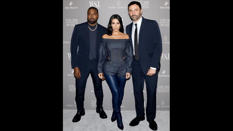 Kim Kardashian menggunakan pakaian dari brand fesyen Burberry (foto: SC IG @burberry)