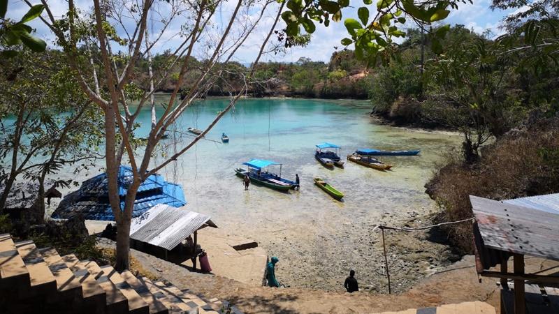 Wisata Ke Danau Napabale