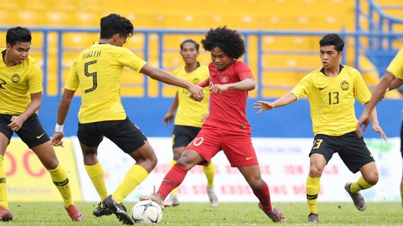 Tim Garuda Indonesia U-18 gagal melaju ke babak final Piala AFF U-18 2019 setelah kalah saat berhapan dengan atas Malaysia (foto: Antara)