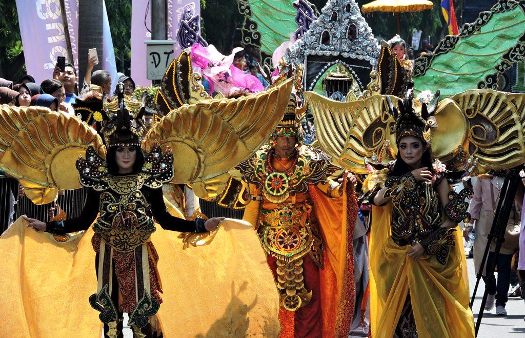 Cirebon Constume Carnival. (Foto: Jelajah Nuase
