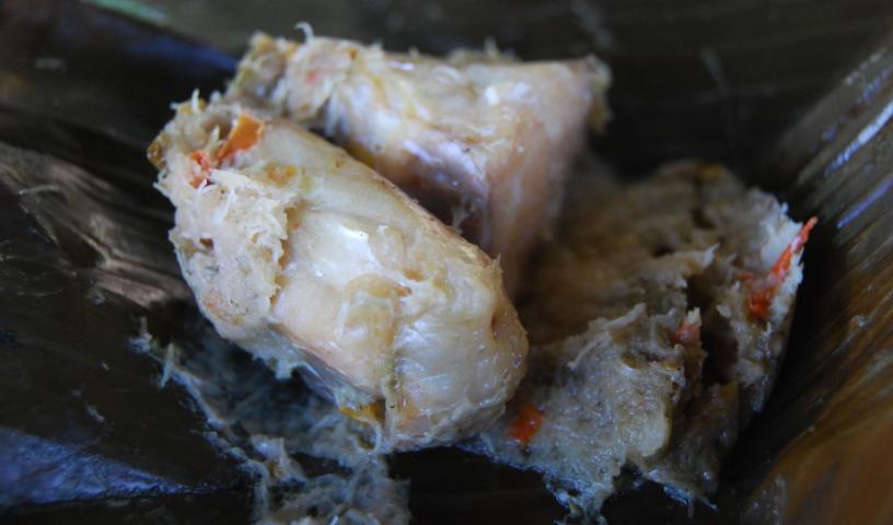 Tak ada daging kurban, botok ikan nila khas Wonogiri ini lebih nendang (Foto : Ariyanto/GenPI.co)