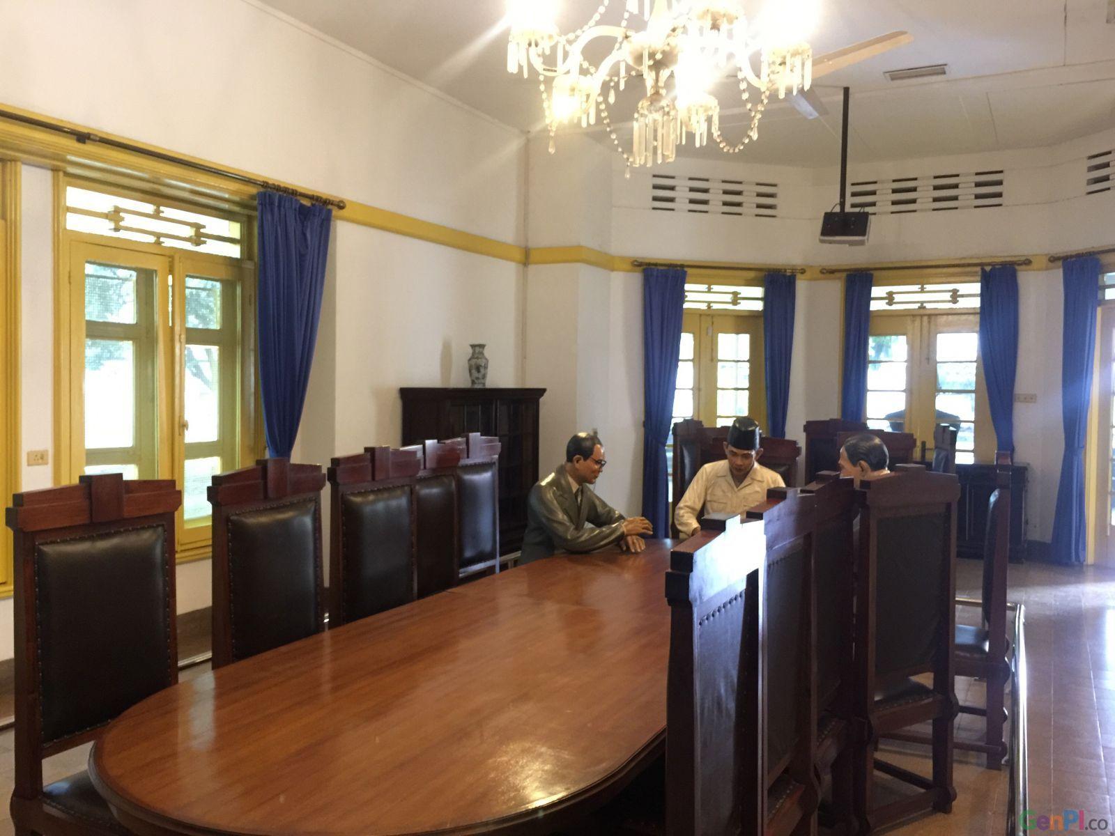 4 Ruangan ini Saksi Bisu Detik-Detik Perumusan Naskah Proklamasi