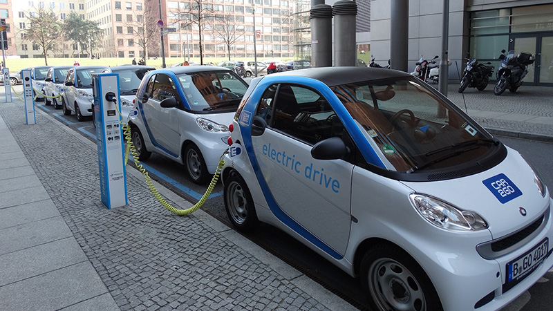 Mobil listrik (foto: climatechangenews.com)
