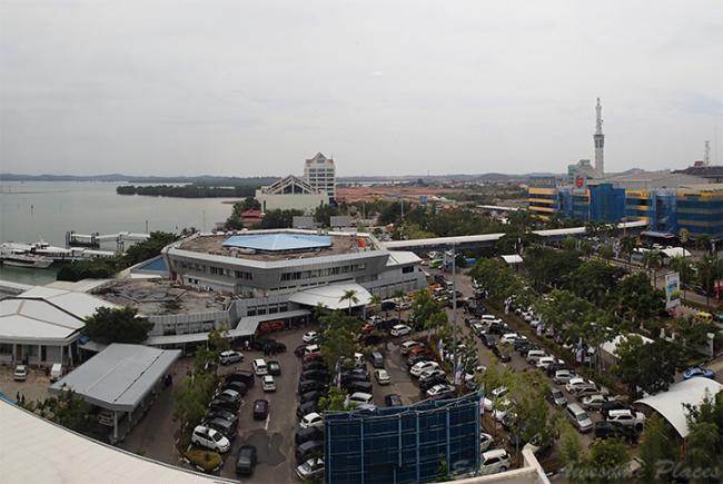 Wisatawan Singapura datang ke Batam lewat Pelabuhan International Batam Centre. (Foto: BatamNews)