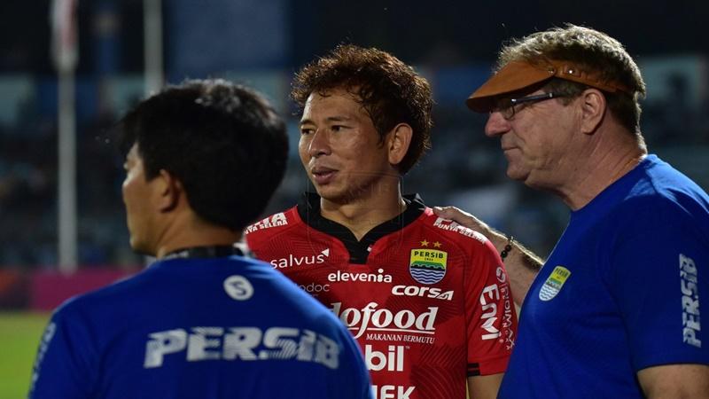 Pelatih Persib Bandung, Robert Alberts mengaku, bahwa anak asuhnya sudah berupaya semaksimal mungkin untuk bermain bagus. Namun karakter anak asuhnya berkurang, saat menghadapi Borneo FC, Rabu, 14 Agustus 2019 (foto: Ist.)