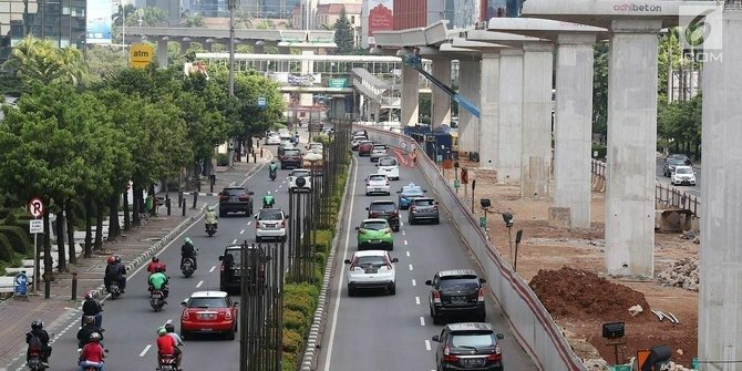 Mengatasi polusi udara Jakarta saat ini adalah ganjil-genap (Foto : Merdeka)