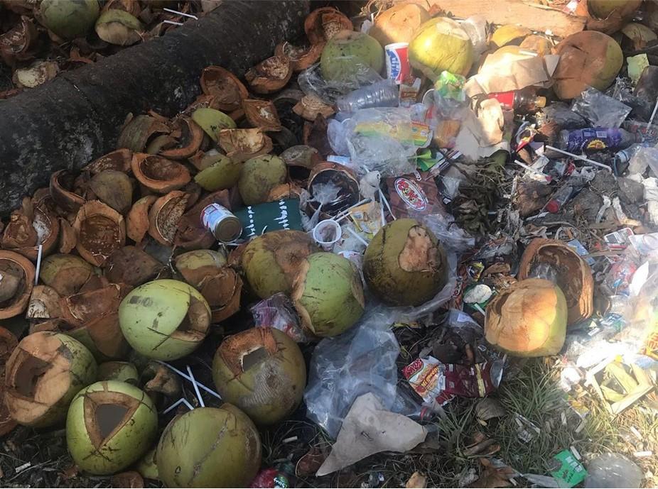 Sampah di Nusa Penida Bikin Turis ini Dongkol Setengah Mati
