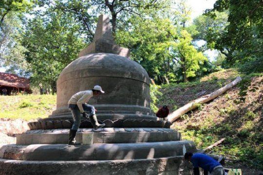 Replika stupa Candi Borobudur yang dbangun di Ukraina. Foto: Antara