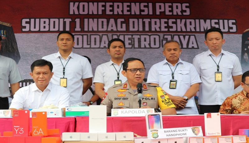 Kapolda Metro Jaya Irjen Gatot Eddy Pramono dalam gelar kasus handpone selundupan asal China. Foto: Antara