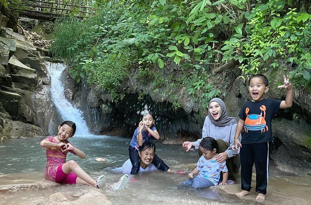 Air Terjun Kedung Pedut, Destinasi Favorit Keluarga Zaskia Mecca