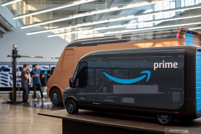Van listrik yang digunakan Amazon.com. (Foto: Antara via Reuters/Jordan Stead))