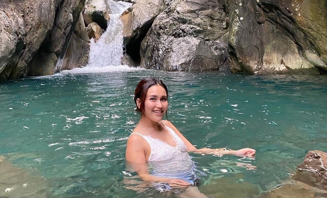 Kala Ayu Ting Ting Basah-basahan di Curug Leuwi Hejo