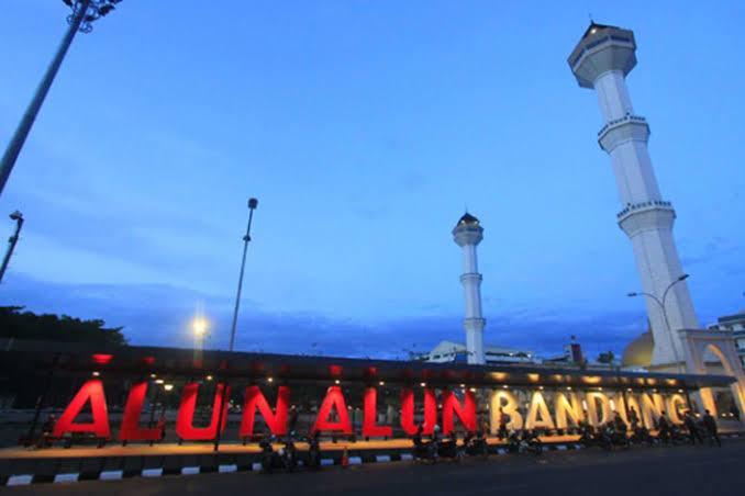 Alun-alun Bandung. (Foto: travtou)