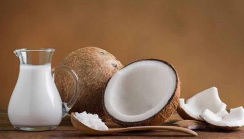 Meski Tinggi Kolesterol, Santan Juga Punya 5 manfaat utuk Tubuh