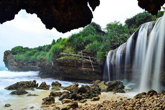Pantai Jogan, Serpihan Surga yang jatuh di Gunungkidul