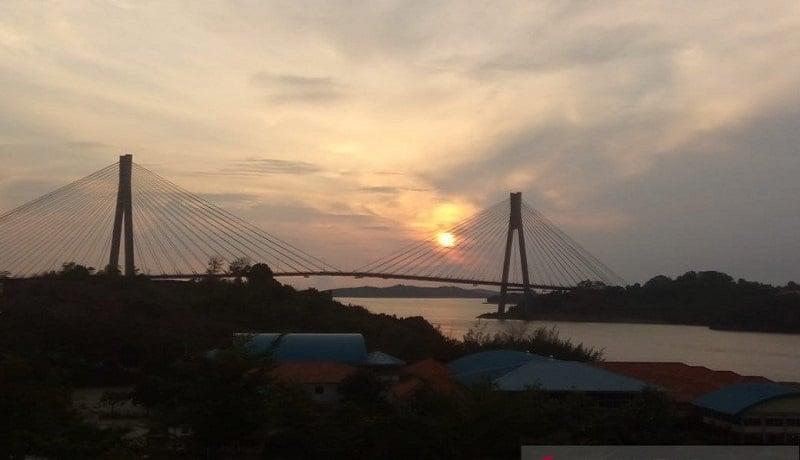 Jembatan Raja Haji Fisabilillah Kota Batam, Kepulauan Riau. Foto: Antara