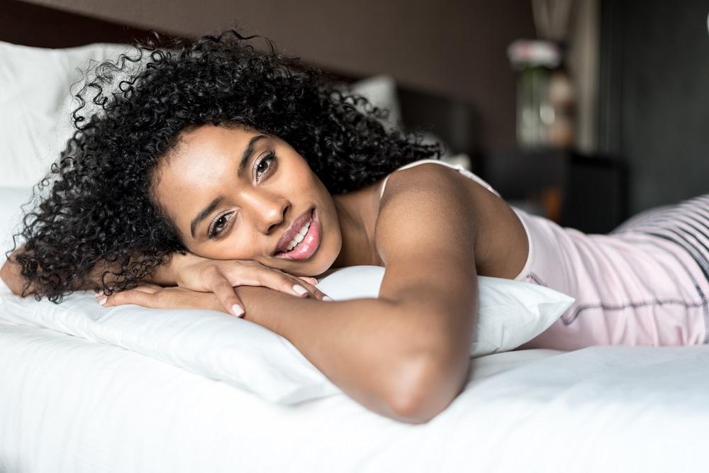 Kasur yang mendukung membuat tidur semakin pulas. (Foto: Elements Envato)