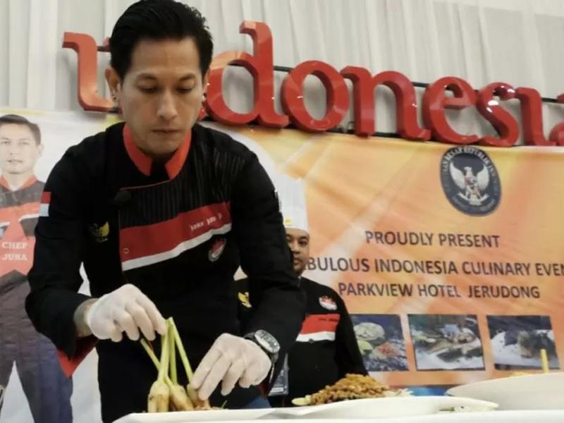 Chef Juna Rorimpandey. (ANTARA/HO/KBRI Bandar Seri Begawan/Twitter)