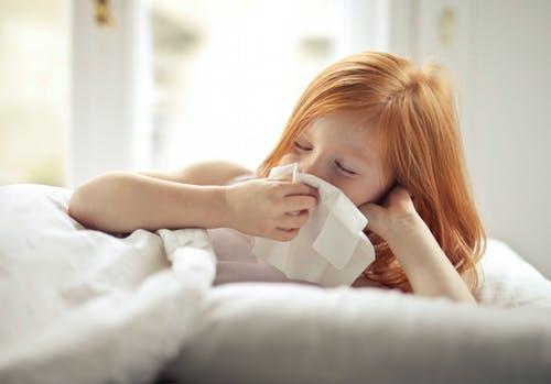 Jangan Anggap Remeh, Kenali Beda Alergi dan Infeksi Pada Anak
