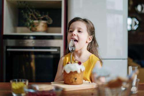 Ilustrasi anak makan (Foto: Pexels)