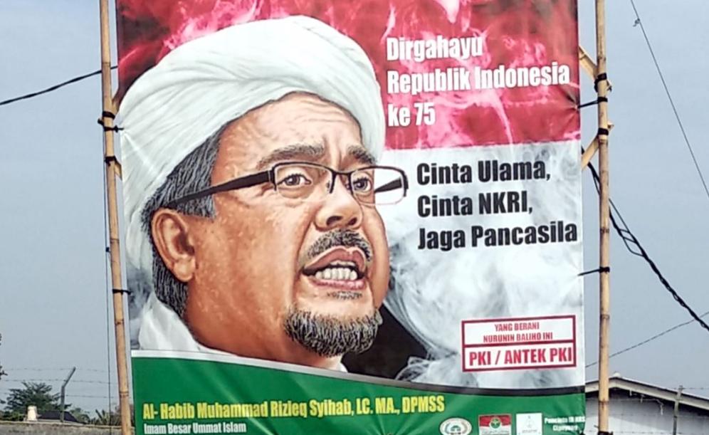 Poster-poster penyambutan kepulangan habib Rizieq bertebaran di beberapa tempat di Jakarta. (foto: Ricardo/jpnn)