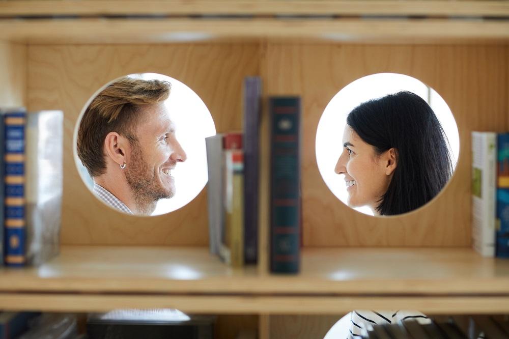 Saat Cari Pasangan, Zodiak ini Lebih Pilih Otak Ketimbang Rupa