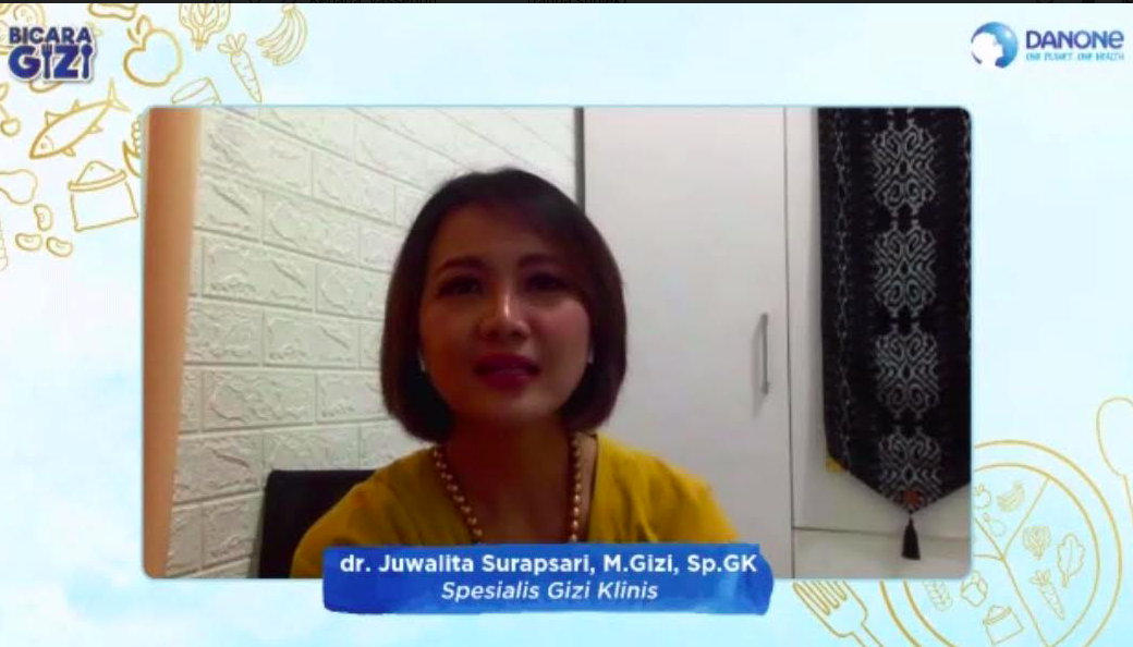 Spesialis Gizi Klinis, dr Juwalita Surapsari, M.Gizi, Sp.GK. (Foto: Tangkapan layar webinar)