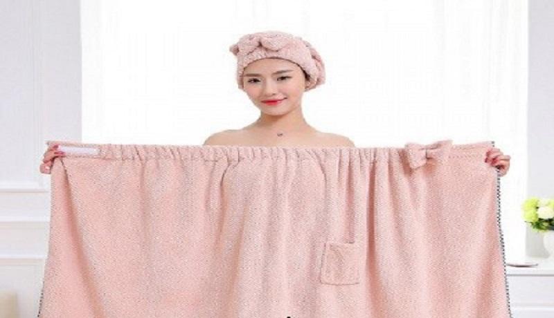Ilustrasi wanita mandi (amazon)
