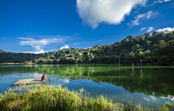 Mengunjungi Danau Towuti, Serasa Bukan di Bumi