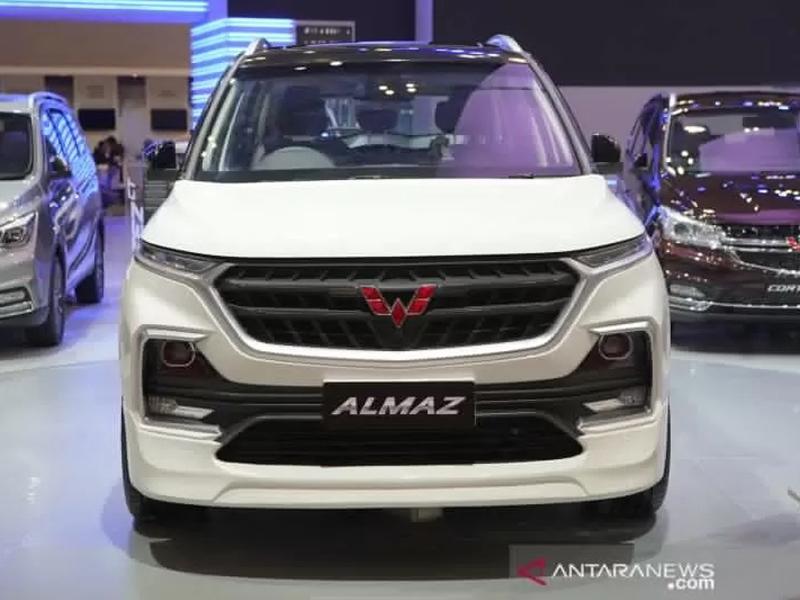 Wuling Almaz 7-Seater versi modifikasi (ANTARA/HO)