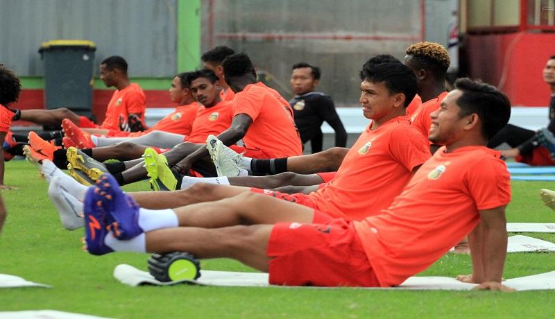 Pemain Bhayangkara FC saat mengikuti latihan. Foto: Bhayangkara FC