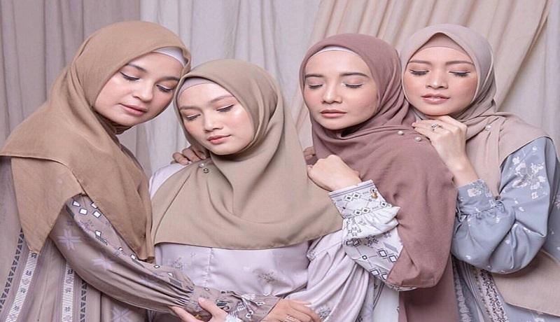 Tampil cantik dengan gaya hijab simple ala Zaskia Sungkar (foto IG @zaskiasungkar15)