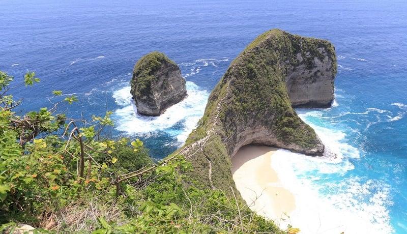 Pantai Kelingking, Pulau Nusa Penida, Kabupaten Klungkung, Bali, dipilih menjadi salah satu lokasi berlangsungnya event Red Bull Cliff Diving 2020. (dok/genPI.co)