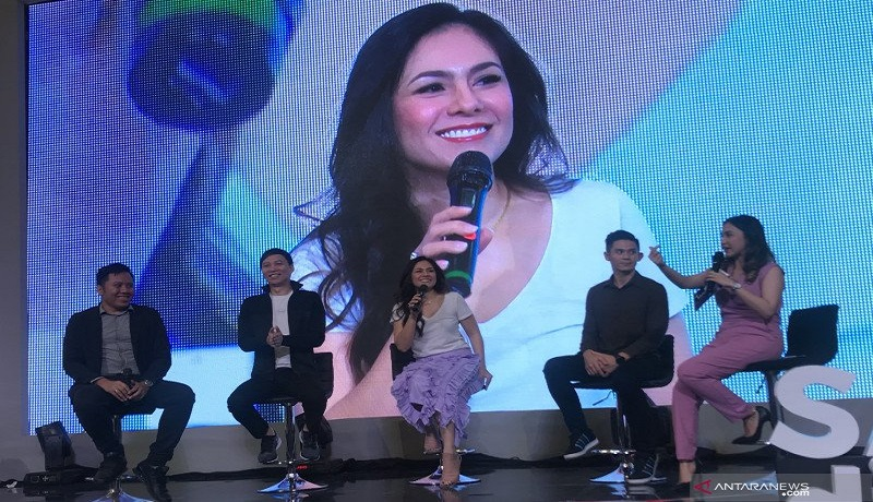 Aktris Wulan Guritno dalam talkshow yang digelar TikTok di Kota Kasblanka Jakarta, Sabtu (29/2). Foto: Antara