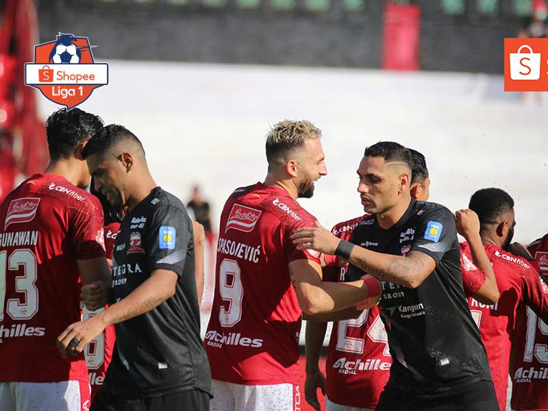 Bali United berhasil mengalahkan Madura United dengan skor 3-1 pada pekan ketiga Liga 1 2020 di Stadion Kapten I Wayan Dipta, Minggu (15/3). Foto: Twitter/Liga1Match