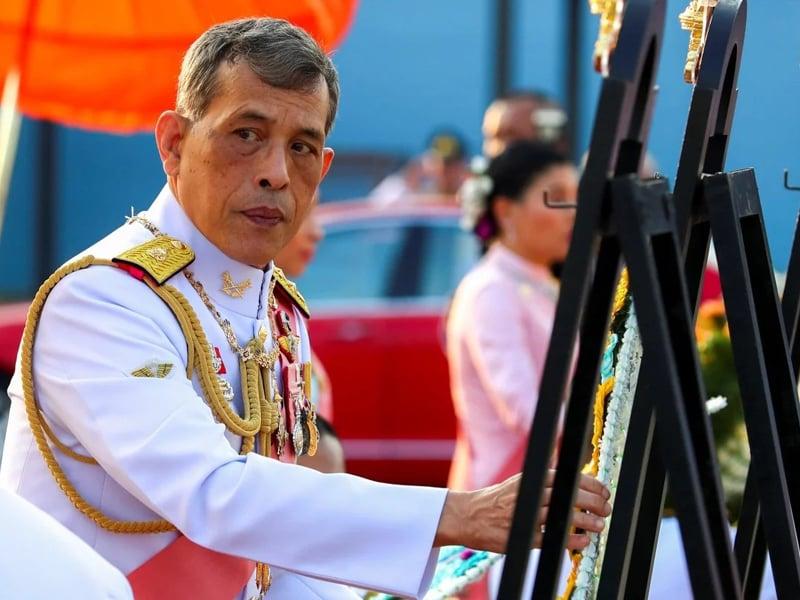 Di Tengah Wabah Corona, Raja Thailand ke Jerman Bersama 20 Selir