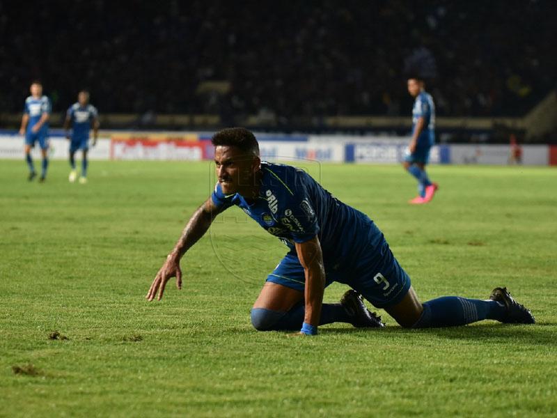 Bintang Persib Wander Luiz Positif Corona, Begini Kondisinya