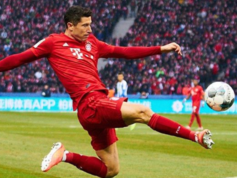 Penyerang Bayern Muenchen Robert Lewandowski. Foto: Instagram/FCBayern
