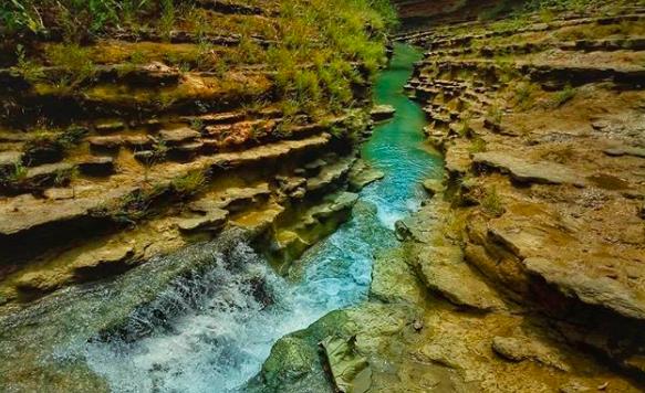 Yuk Wisata ke Kalinanas, Sungai yang Diapit Dinding Purba