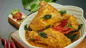 Ayam Woku Manado (foto: lezzat.id)