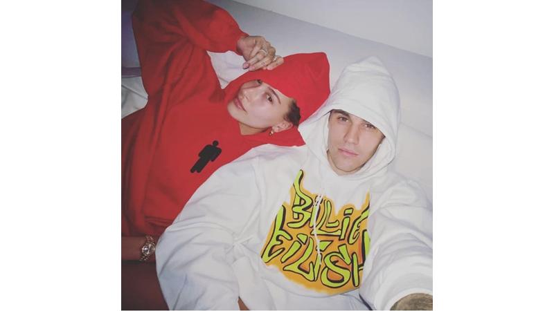 Kejutan! Justin Bieber Pakai Hoodie Bertuliskan Billie Eilish
