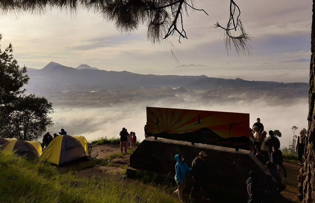 Gunung Putri (Foto: Andri Bagus/GenPI.co)