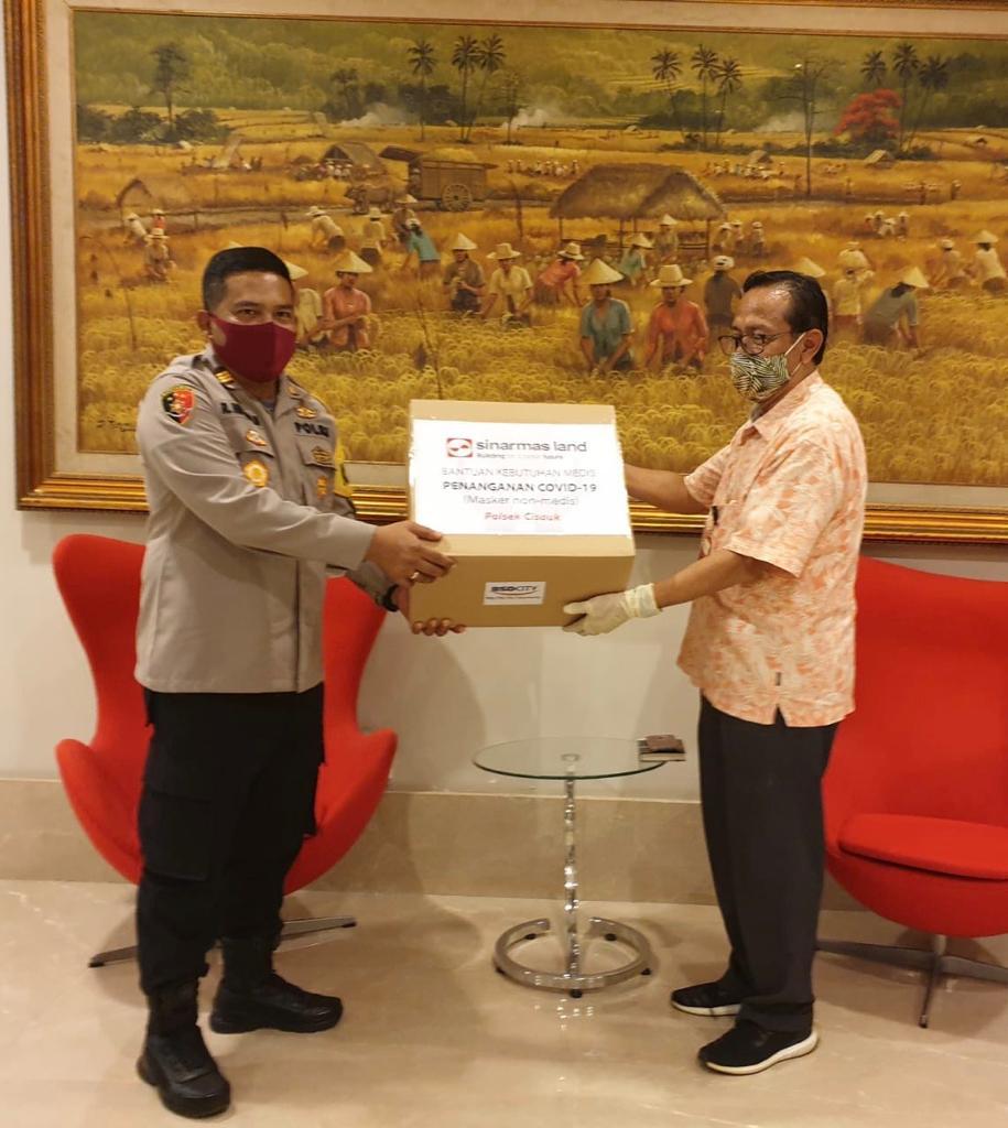Lawan Corona, Sinar Mas Land Serahkan Ribuan Masker ke TNI/Polri