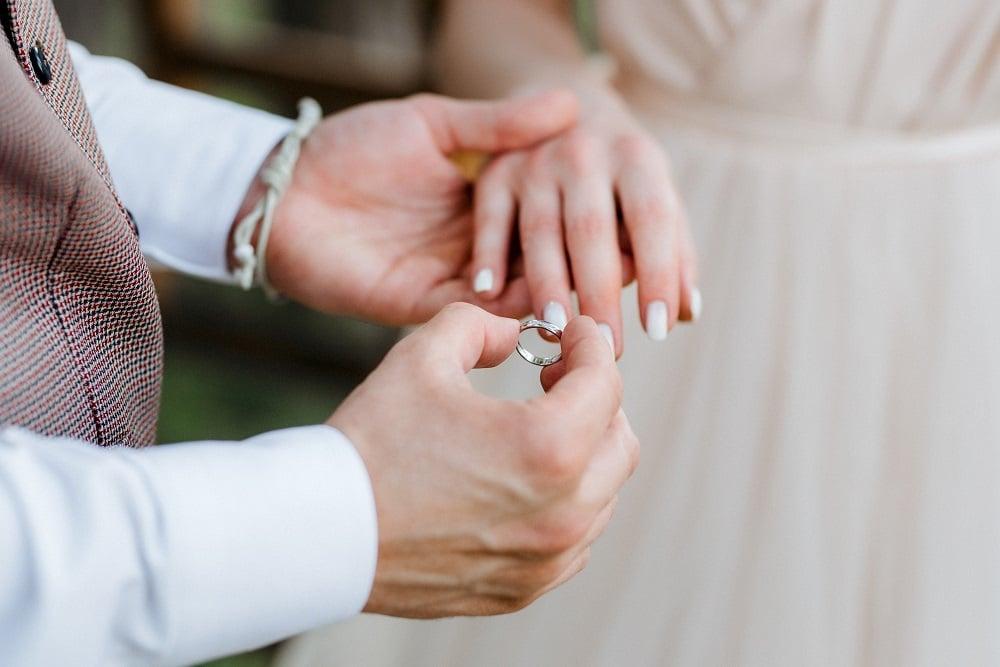 Ilustrasi menikah. (Foto: Elements Envato)