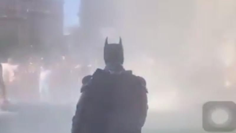 Kaget! Batman Turun Tangan Atasi Kerusuhan Kematian George Floyd