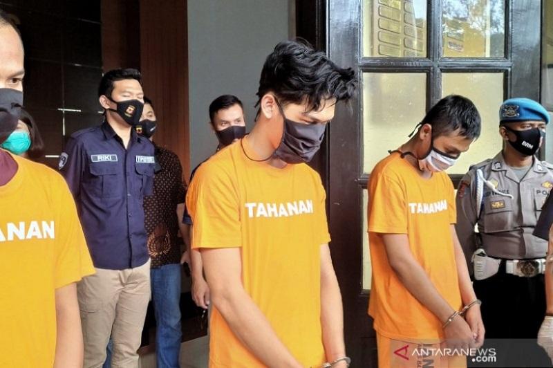 Ferdian Paleka saat ditangkap (Foto: Antara)