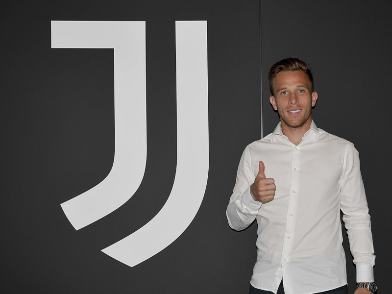 Pemain baru Juventus Arthur Melo. Foto: Twitter/juventus